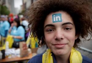 De nombreux entrepreneurs, présents sur Twitter et Facebook, négligent à tort LinkedIn et Viadeo.